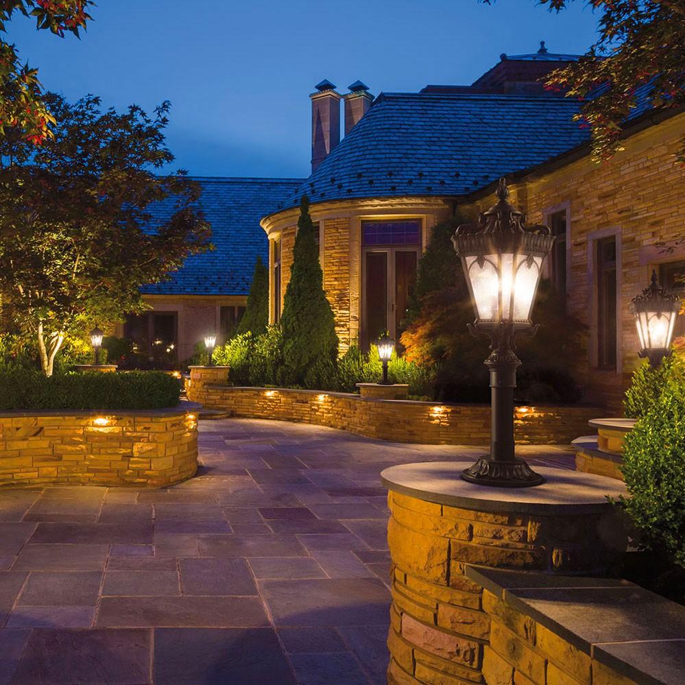 Clairage les feuillages du qu bec for Luxury landscape lighting