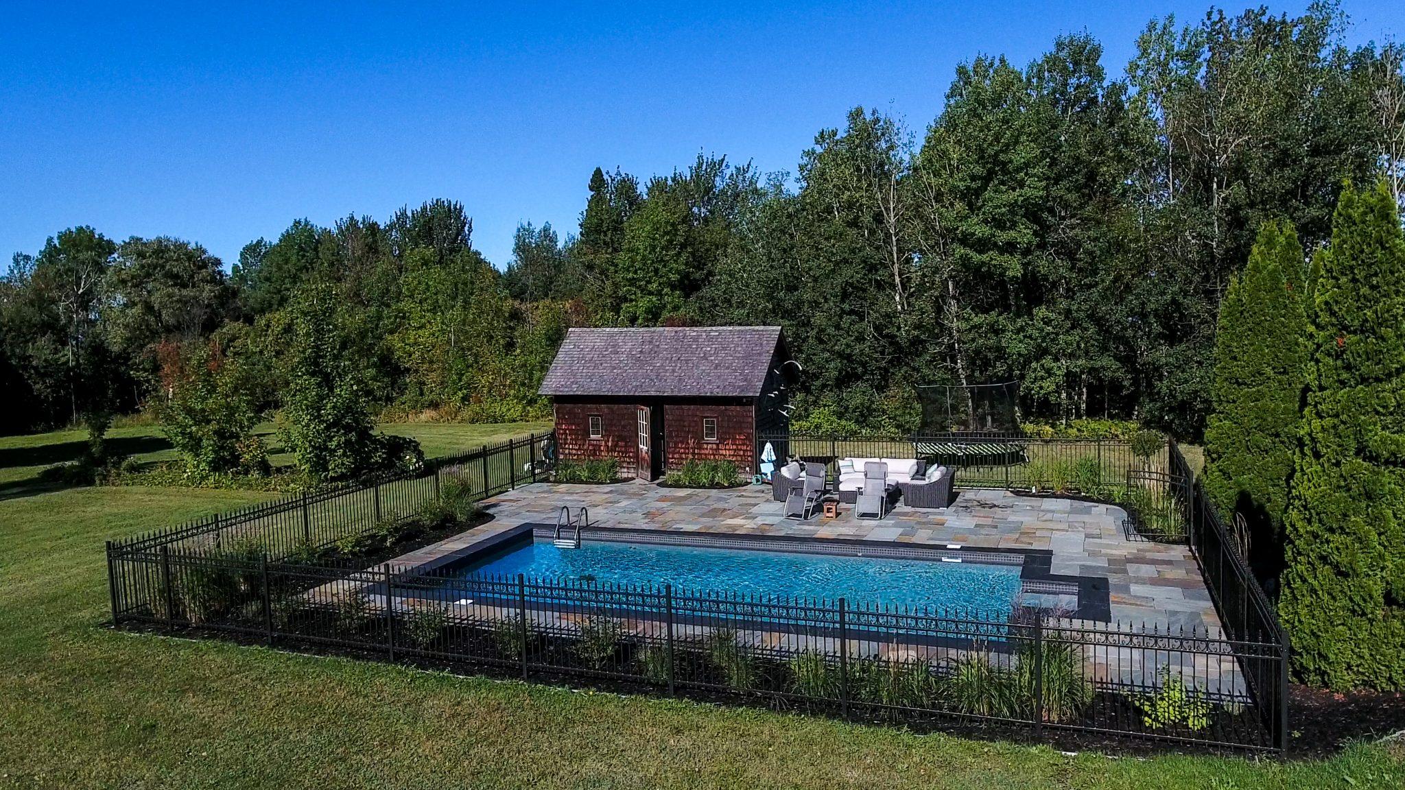 Résidentiel – Tour de piscine
